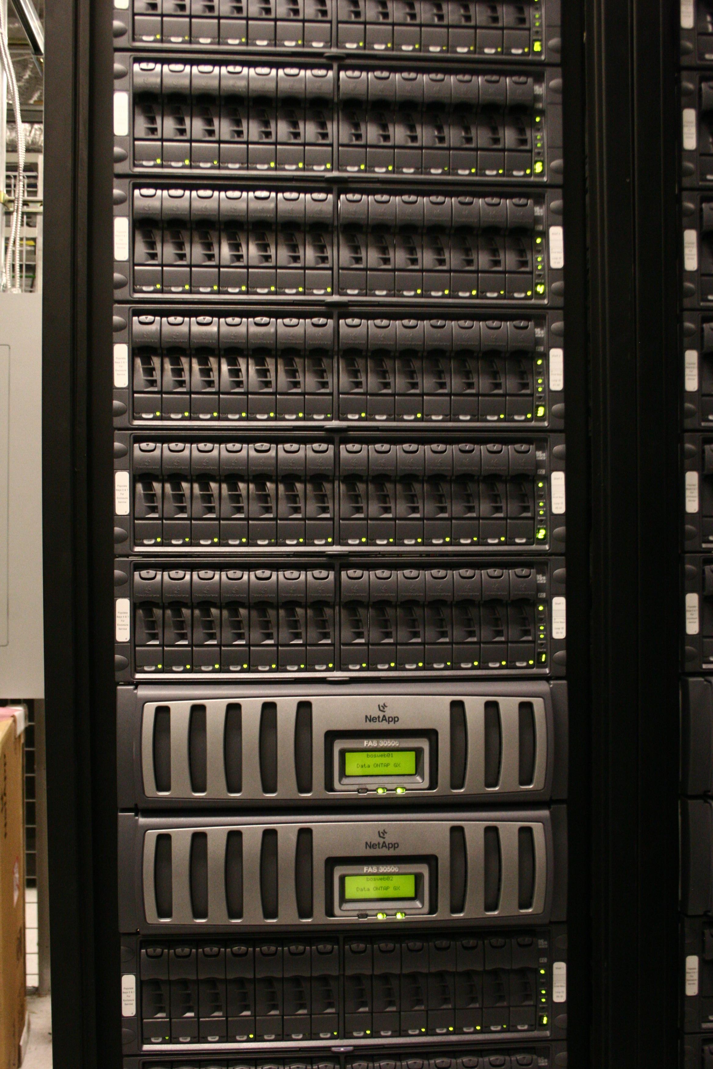 24 Free Data Center Photos